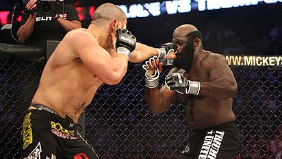 Kimbo Slice gets clocked by Thompson